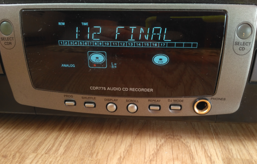 Philips CDR-775 Compact Disc Recorder 2000r.-5.png