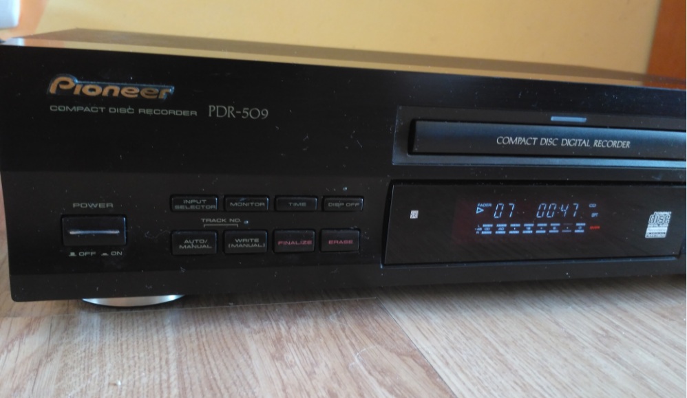 Pioneer PDR-509 Compact Disc Recorder 1999r.-2018-05-14_15-14-00.png