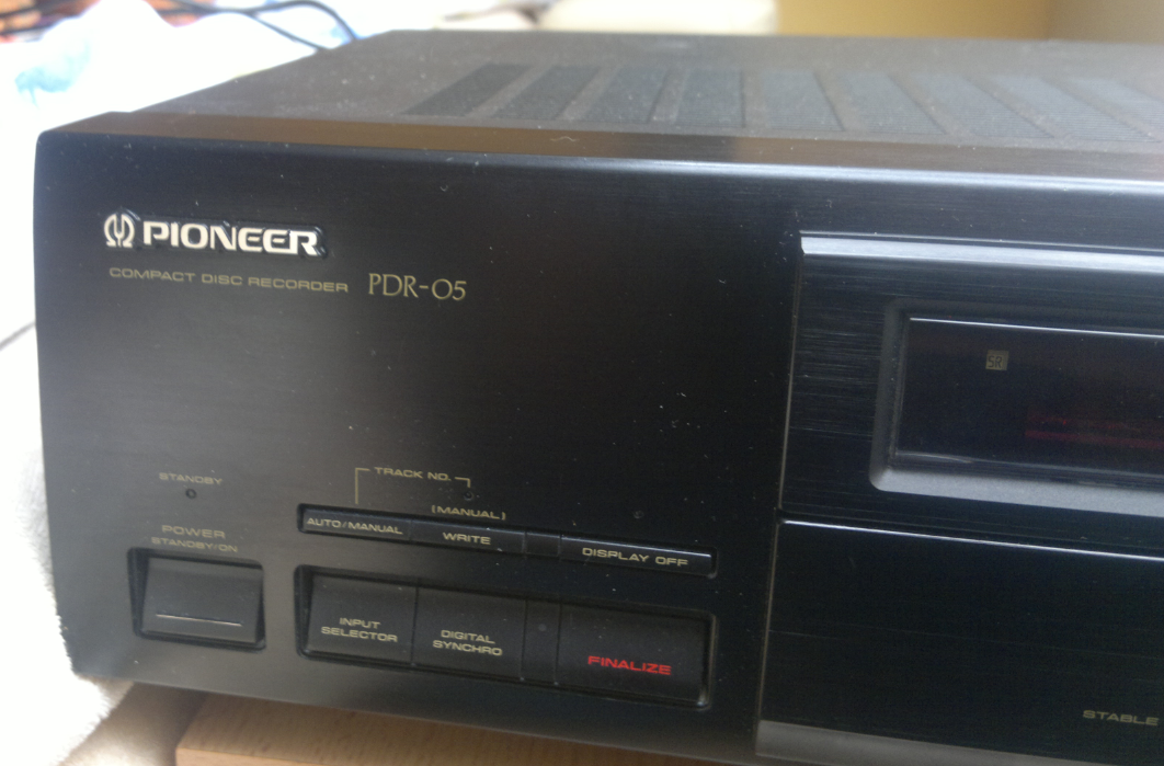Pioneer PDR-05  Compact Disc Recorder 1995r.-2017-03-10_12-35-44.png