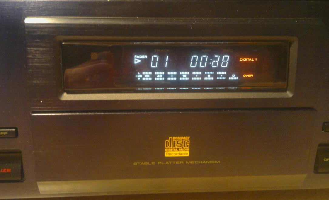 Pioneer PDR-05  Compact Disc Recorder 1995r.-2017-03-10_07-27-24.jpg