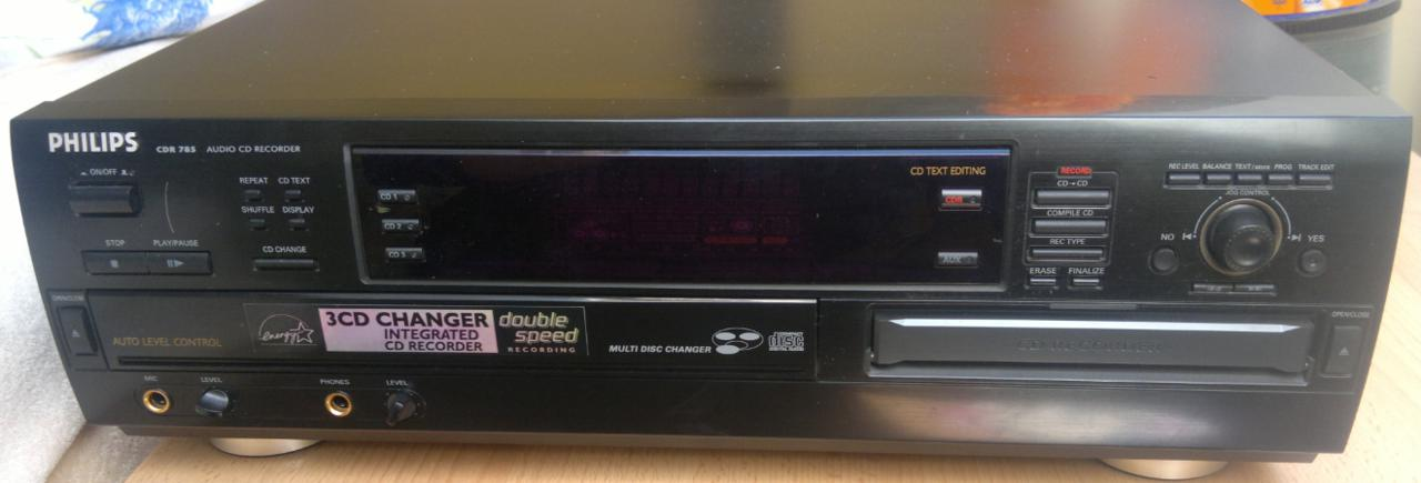 Philips CDR-785 Compact Disc Recorder 2001r.-3.jpg