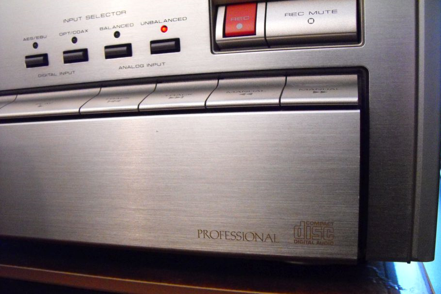 Pioneer RPD-1000 Compact Disc Recorder 1991r.-2017-05-11_13-01-50.png