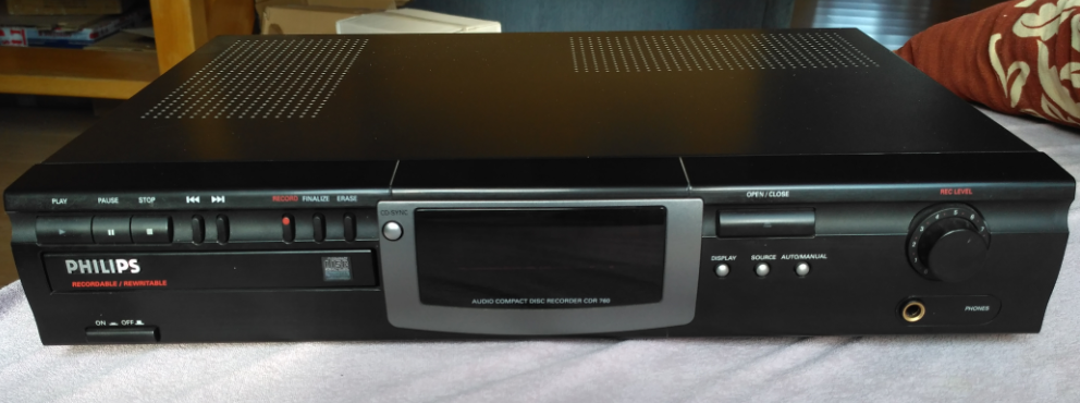 Philips CDR-760  Compact Disc Recorder 1998r.-2017-05-13_19-41-18.png