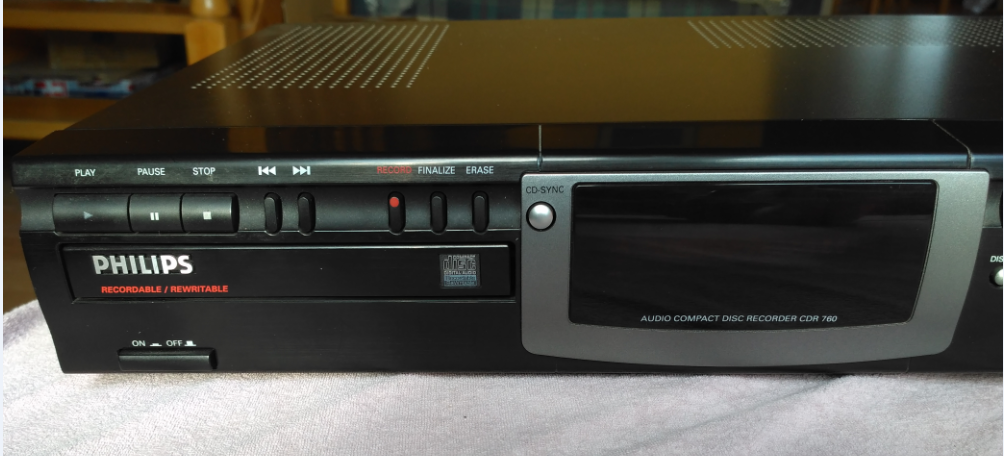 Philips CDR-760  Compact Disc Recorder 1998r.-2017-05-13_19-41-40.png