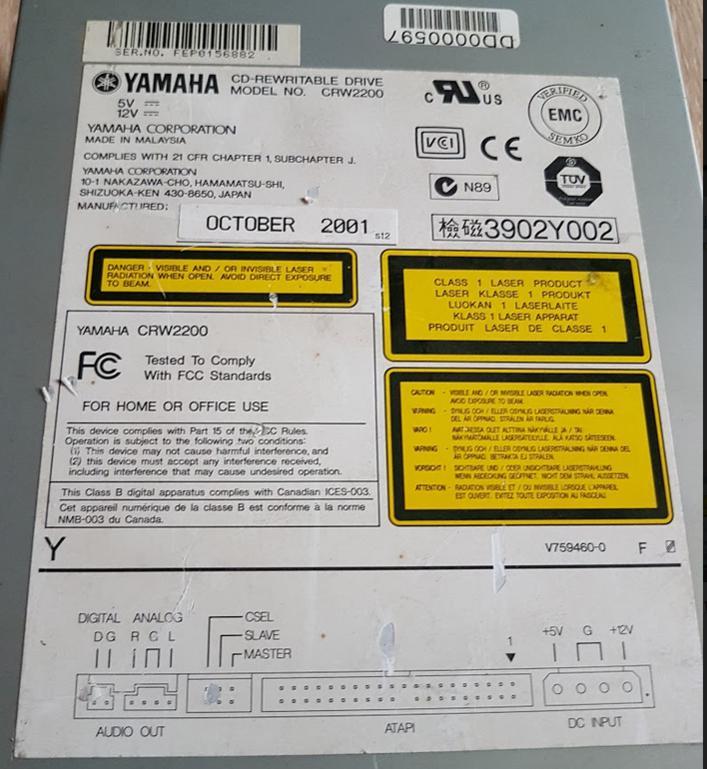 Yamaha CRW-2200E 2001r.-przechwytywanie02.jpg
