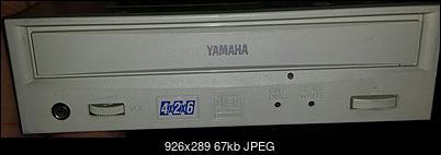 Yamaha CRW4260t SCSI 1998r.-przod.jpg