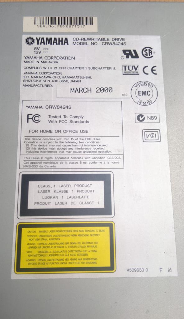 Yamaha CRW-8424S SCSI 2000r.-2017-04-05_14-00-30.jpg