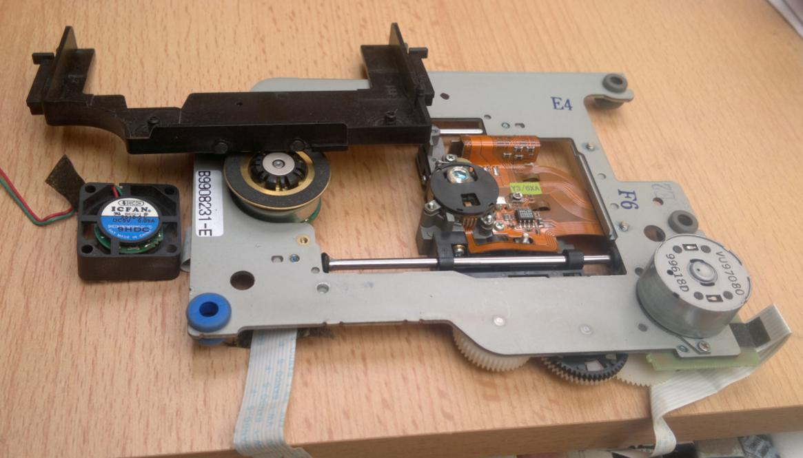 Yamaha CRW-6416S SCSI 1999r. Refurbished-2017-06-02_14-37-54.jpg