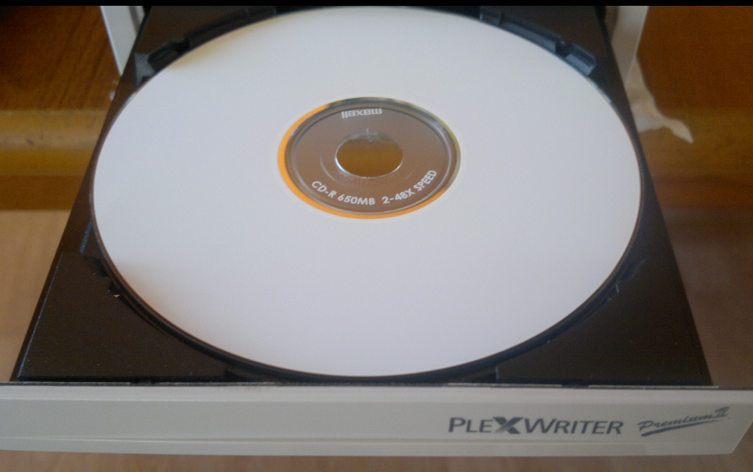 Maxell CD-R Printable 650MBmin. Super Master Quality-2020-08-04_07-33-27.png