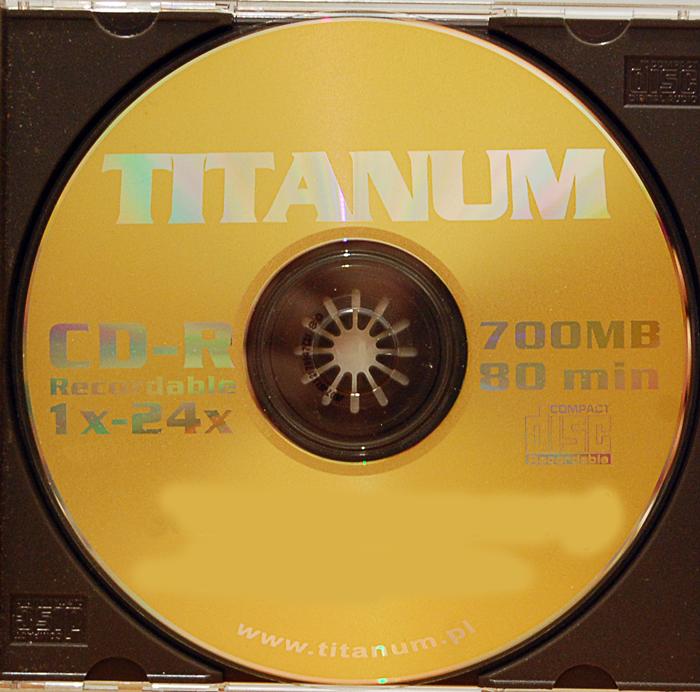 -01-titanum-cd-r-x24-700-mb.png